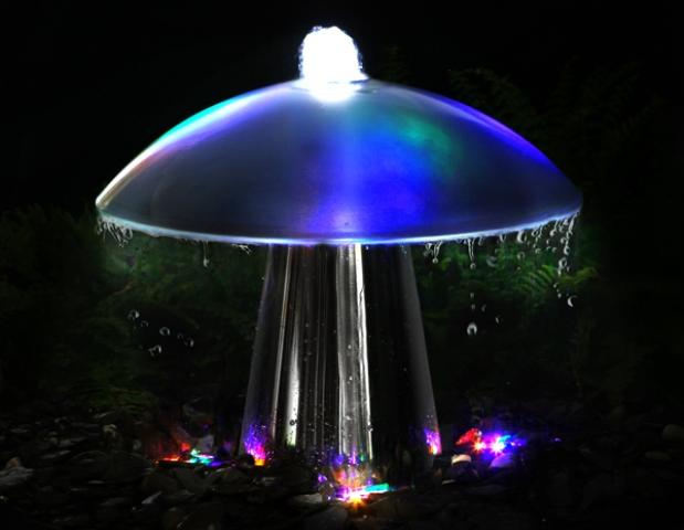 tinago falls paddestoelfontein met glazen bovenkant en led verlichting